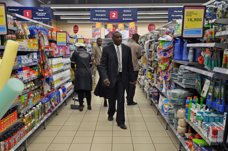 Supermarket_aisle