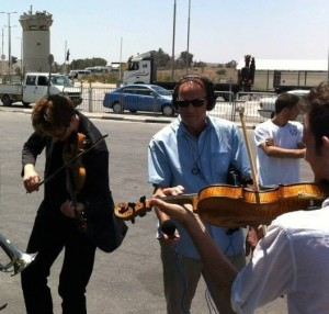 Sandy w musicians west bank